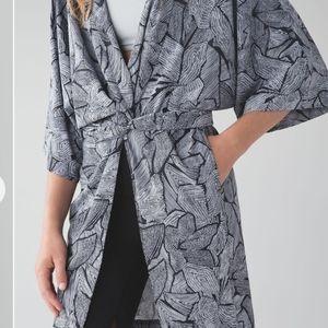 NWT! Lululemon size 4 - 10 Kimono